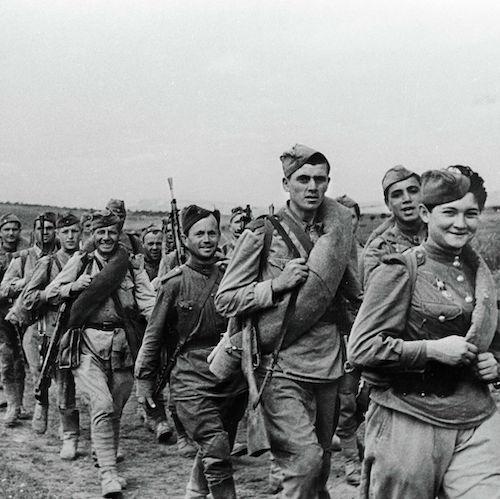 Василий Соловьев-Седой Солдаты, в путь!